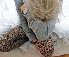 i want those leggings! so cute!