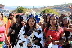 Umembeso is a gift-giving ceremony that forms part is the traditional Zulu wedding process. Zulu Wedding, Wedding Inspiration, African, Bride, Fashion, Wedding Bride, Moda, Bridal, Fashion Styles