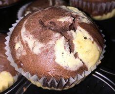 Rezept Mamor- Muffins mit Schokostückchen von CarinaSB17 - Rezept der Kategorie Backen süß