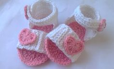 These adorable heart crocheted baby sandals is the perfect gift for a special little princess. Get the FREE crochet pattern NOW ...