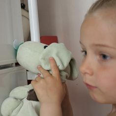 Sniff- an interactive, RFID-detecting soft toy / Sarah Johansson