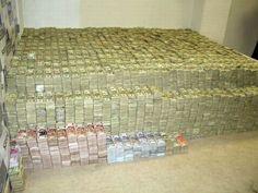 La police a fait une descente dans la villa d'un grand baron de la drogue au Mexique...