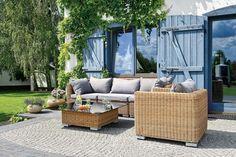 Ogród jak z greckiej pocztówki #ogród #stylsrodziemnomorski #mebleogrodowe http://www.weranda.pl/ogrody/15502-ogrod-jak-z-greckiej-pocztowki