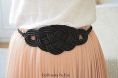 Novedades: cinturones de nudos Diy Jewelry, Handmade Jewelry, Fiesta Outfit, Necklace For Girlfriend, Soutache Jewelry, Diy Necklace, Handmade Accessories, Paracord, Diy Fashion