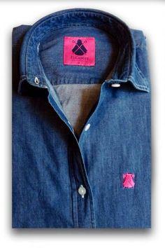 Nueva camisa vaquera de mujer con logos en rosa capote. Tallas de la S a la 2XL. PVP: 69€. http://poloselcapote.com/camisas/497-camisa-denim-azul-oscuro.html