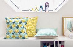 Coussins Mademoiselle Dimanche - toujours des imprimés et des couleurs bien trouvés.