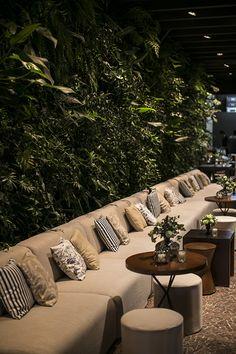 Outdoor Restaurant Design, Deco Restaurant, Restaurant Interior Design, Cafe Interior, Cafe Shop Design, Coffee Shop Interior Design, House Design, Garden Cafe, Lounge