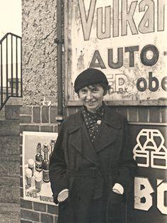 1926 ....Jeanne Mammen (German 1890–1976)