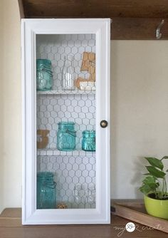 Fun Collection of Farmhouse Chicken Wire DIY Projects - The Cottage Market Refurbished Furniture, Repurposed Furniture, Furniture Makeover, Diy Furniture, Upscale Furniture, Salon Furniture, Chair Makeover, Furniture Refinishing, Street Furniture