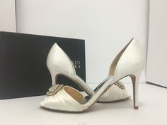 59eb78ac17fd Badgley Mischka Melody White Satin Women s Evening High Heels Pumps Size US  9 M… Satin