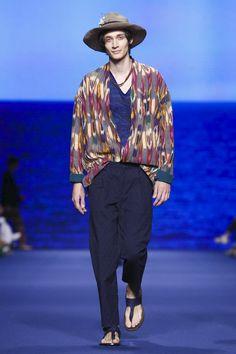 Etro Menswear Collection Spring Summer 2017 in Milan