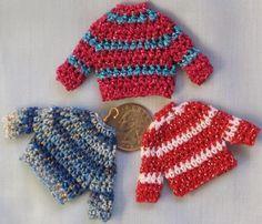 San Francisco Crochet - Teeny Tiny Sweater Ornament - free pattern These are SO… Crochet Doll Clothes, Crochet Dolls, Crochet Yarn, Crochet Sweaters, Crochet Christmas Ornaments, Holiday Crochet, Christmas Colors, Christmas Christmas, Christmas Projects
