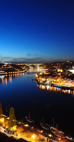 Porto à noite www.webook.pt #webookporto #porto