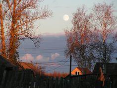 Восход луны на закате солнца #вечер #закат #луна #октябрь #осень #чудово