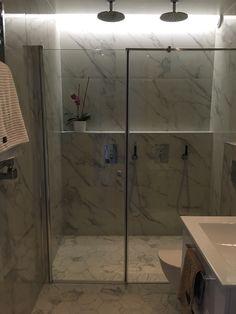 #Bathroom #marble #white #hexagon #tapwell