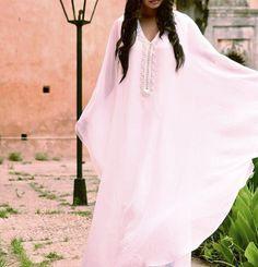 Cocktail Long Sleeve Chiffon Regular Maxi Dresses for Women Moroccan Caftan, Moroccan Style, Maxi Dress Wedding, Wedding Gowns, Beau Hijab, Morocco Fashion, Arab Fashion, Oriental Fashion, African Women
