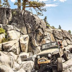 Cool shot of the Synergy Manufacturing Jeep coming down Little Sluice on the way out of the Jeepers Jamboree & Jeep Jamboree, Inc./Rubicon Trail a few weeks ago. WARN right up front! Have you been on the Rubicon Trail? Jeep Tj, Jeep Truck, Jeep Wrangler, Rubicon Trail, Jeep Trails, Pacific Coast Highway, Fun Shots, Quebec City, Toy Trucks