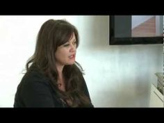 ▶ Sue Bryce talks about Top Model Release App - YouTube - Get a model release when you shoot!