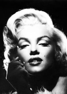 OUR MARILYN MONROE : Photo