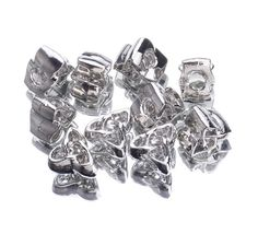 10x15mm Alloy Enamel Beads Fit European Charm Bracelets Jewelry Flower http://www.eozy.com/10x15mm-alloy-enamel-beads-fit-european-charm-bracelets-jewelry-flower-2.html