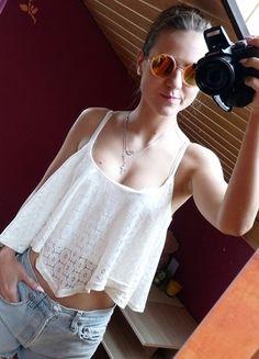 Kup mój przedmiot na #vintedpl http://www.vinted.pl/damska-odziez/koszulki-na-ramiaczkach-koszulki-bez-rekawow/14293388-bialy-koronkowy-asymetryczny-top-krotki-lato-hit