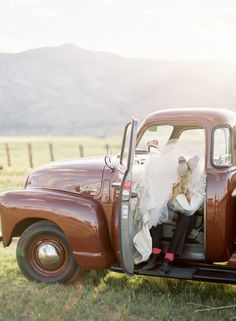 Hahhaha! The most inappropriate and yet truthful wedding picture ever. Love it.