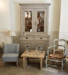 Vivendo lab corner in our old shop in Pistoia city center. A lot of shabby and rustic charm.