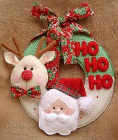 Decoração com enfeites de Natal 2019: ideias criativas gastando pouco! | We Fashion Trends Crochet Christmas Ornaments, Felt Ornaments, Christmas Balls, Rustic Christmas, Christmas Time, Christmas Stockings, Christmas Wreaths, Christmas Activities For Kids, Christmas Projects