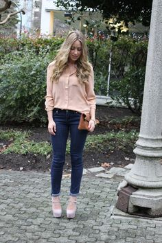 blouse and rolled skinnies.