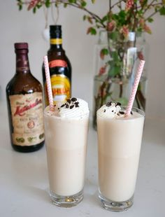 Cocktail Drinks, Cocktails, Rum, Glass Of Milk, Smoothies, Panna Cotta, Bacon, Juice, Food And Drink
