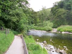 A classic #Yorkshire walk starting in BURNSALL in the Dales ...