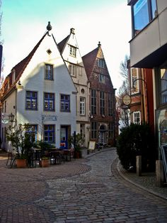 Schnoor, Bremen, Germany ~ Loved Germany and all the villages along the romantic road. Didn't care for the food or the people. Places To Travel, Places To See, Places Ive Been, Austria, Bremen Germany, Romantic Road, Central Europe, Germany Travel, The Good Place
