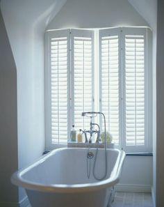 JASNO shutters in de badkamer in het wit