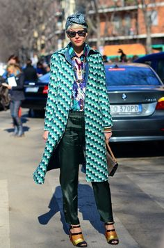 Elisa Nalin in Paris street style fashion Estilo Fashion, Look Fashion, Fashion Models, Womens Fashion, Fashion Trends, Street Fashion, Fashion Shoes, Girl Fashion, Street Style