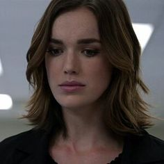 Read simmons from the story AOS ICONS ▹ agents of shield by endlesshield (m) with 111 reads. Marvel Dc, Marvel Girls, Marvel Comics, Henry Simmons, Fitz And Simmons, Elizabeth Henstridge, Mary Elizabeth Winstead, Series Da Marvel, Black Widow Winter Soldier