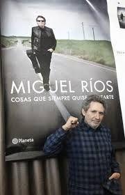 Desde su infancia granadina en el seno de una familia modesta, hasta el ascenso a lo más alto de la música rock española. Miguel Ríos nos cuenta su despertar a la música y la subida a ese primer camión que le llevaría, en los años sesenta, a Madrid, con toda la ilusión y algo de inconsciencia en el futuro por equipaje. http://blog.fundacionhugozarate.com/miguel-rios-cosas-que-siempre-quise-contarte-luis-garcia-montero…