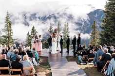 Alpine style for a winter wedding