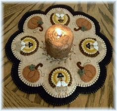 Turkey penny rug . Great for Thanksgiving