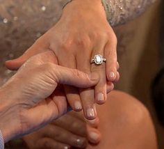 Whitney Bischoff showed off her 4-carat diamond engagement ring on After the Final Rose.