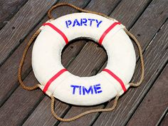 Google Image Result for http://static.dailycandy.com/resource.jsp%3Fid%3D93418%26name%3Dparty-time-on-a-boat-072311-web-460.jpg
