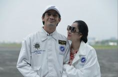 Habibie & ainun Reza Rahadian, Relationship Goals, Relationships, Celebrities, Coat, Jackets, Bts, Fashion, Celebs