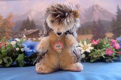 STEIFF Model 4312,00 hedgehog Joggi Igel 12 cm w. Button+Flag+Chesttag 60ies VGC