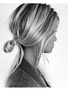 Pretty little bun #hairstyle #bun #fashion