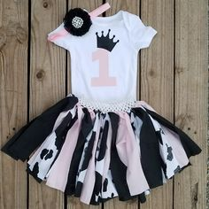 Cowgirl birthday outfit made Baby Girl Birthday Theme, Rodeo Birthday, 1st Birthday Party For Girls, Farm Animal Birthday, 1st Birthday Outfits, Birthday Ideas, Girl Outfits, Yard Party, Alaia