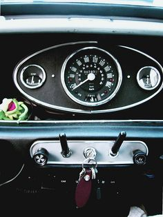 Mini interior - oh the noise, the smell WONDERFUL - thank you Granny! Mini Cooper Classic, Mini Cooper S, Classic Mini, Classic Cars, Minis, Mini Morris, Automobile, Mini Clubman, Mini Things
