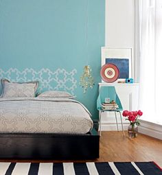 Turquoise accent wall, love it!! Home Buying Help – Money Management Tools – Home Decorating Ideas – Free Recipes