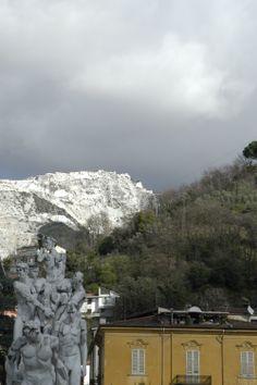 Le cave da Piazza XXVII Aprile, Carrara (Toscana, Italy) -