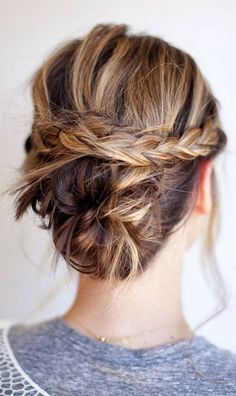 THREE DIY Bridal Hair Tutorials: Hi ladies, I have partnered with Nume to create three DIY bridal hairstyles that are SIMPLE & stylis. Diy Bridal Hair, Bridal Hair Tutorial, Wedding Updo, Messy Hairstyles, Pretty Hairstyles, Hairstyle Ideas, Casual Hairstyles For Long Hair, Professional Hairstyles, Chignons Glamour