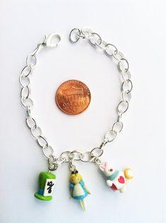 Disney Alice in Wonderland inspirado arcilla pulsera