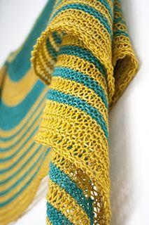 Aureola shawl knitting pattern by Janina Kallio.